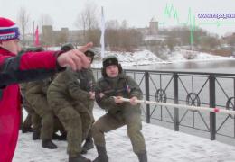 Российские военные провели спортивно-культурные манёвры у самой границы на Ивангородском променаде