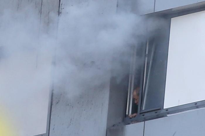 Лондоне горит высотный жилой дом, часть жителей оказалась в огненной западне