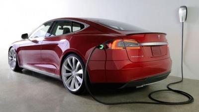 В Норвегии Tesla Model S сгорела на станции быстрой зарядки