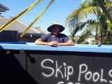 Австралиец делает бассейны из старых мусорных контейнеров и экономит около $26 000