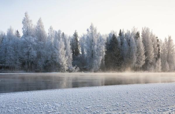 С пятницы в Ида-Вирумаа запрещен выход на лед приграничных водоемов