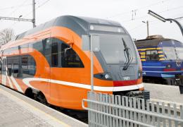 Elron не хватает поездов для обеспечения невероятного роста числа пассажиров на Нарву