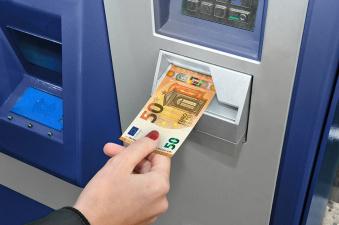 На следующей неделе в обращение выпустят новые банкноты достоинством 50 евро