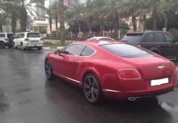 Автомобили студентов в Дубае