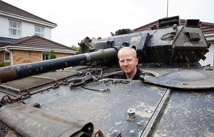 Британский инженер купил танк через интернет-аукцион