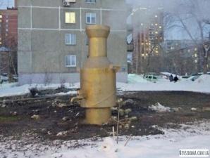 Необычные арт-объекты на теплотрассе в Новосибирске
