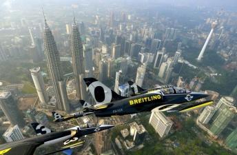 Авиашоу «Брайтлинг» в Малайзии