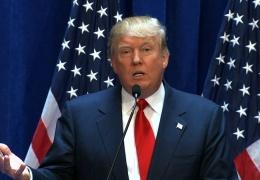 Уровень одобрения деятельности Трампа падает перед промежуточными выборами в США