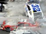 В США обломки гоночного автомобиля влетели на трибуну