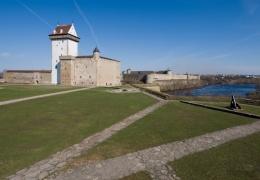 Открытие обновленного Нарвского замка откладывается