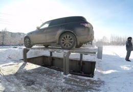 Как работает персональная двухуровневая парковка с автомобильным лифтом в Челябинске