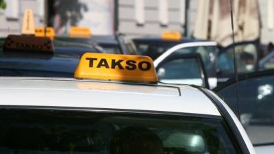Нарвские депутаты – Рийгикогу: языковые требования к таксистам надо понизить до уровня А2