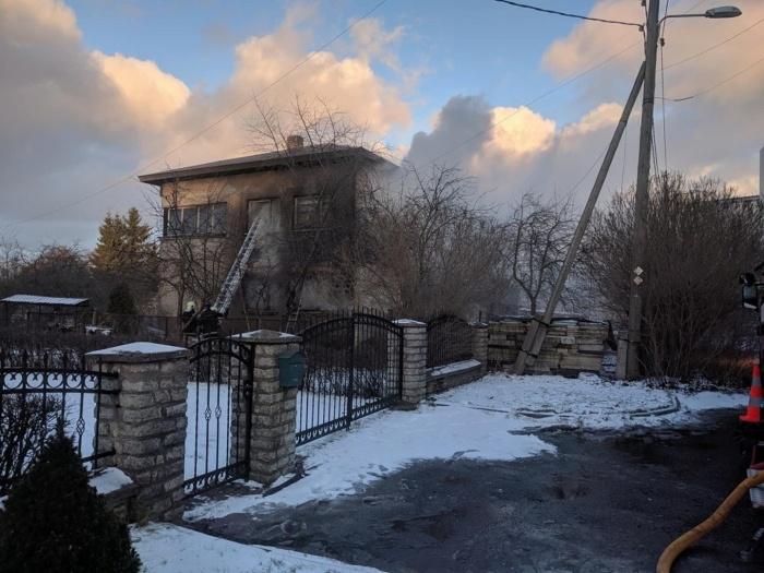 ФОТО: в Йыхви сгорел частный дом