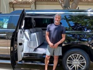 Сильвестр Сталлоне выставил на продажу роскошный внедорожный лимузин Cadillac Escalade