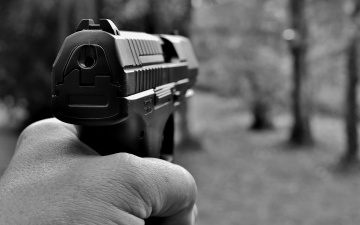 В Нарве за угрозу огнестрельным оружием задержали 65-летнего мужчину