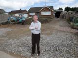Британец незаконно построил развлекательный комплекс в своем саду
