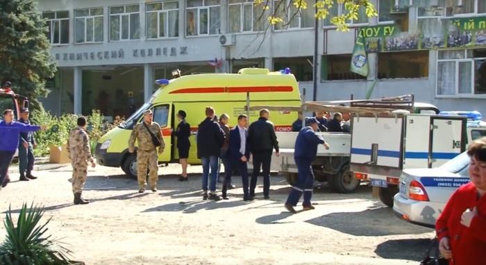 В результате взрыва и стрельбы в колледже в Керчи много погибших и раненых (ВИДЕО)