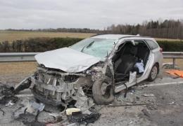 Попавший в тяжелое ДТП на шоссе Таллинн-Тарту мужчина скончался в больнице