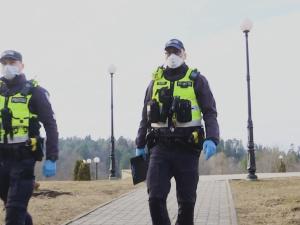 Поправки к закону: полиция сможет выписывать штрафы до 800 евро за отсутствие маски в магазине
