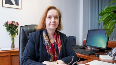 Марис Лаури посоветовала ида-вирусцам смотреть эстонское телевидение и читать эстонские газеты