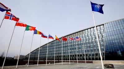 """Генсек НАТО призвал увеличить военные расходы из-за """"агрессивных действий"""" России"""