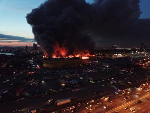 Гигантский пожар на МКАДе планируют локализовать утром