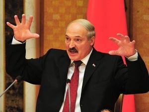 Лукашенко удручен и грозит ответить России на ограничение транзита белорусских продуктов