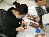 Женщина в Китае пыталась продезинфицировать банкноты в микроволновке