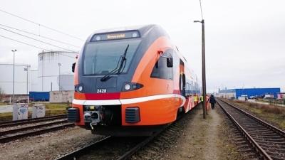 Изменится расписание движения поездов Elron между Таллинном и Нарвой