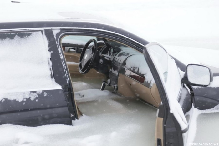 В Эстонии джип провалился под лёд