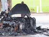 Новенький McLaren сгорел дотла на заправке сразу после того, как владелец купил его