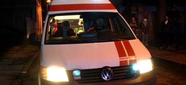 В центре Нарвы пьяный водитель врезался в дом: 2 пострадавших