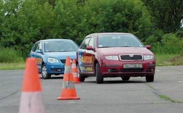 Суд в Нарве оправдал трех обвиняемых в получении взяток за сдачу экзамена на водительские права