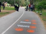 ФОТО: в Нарве велосипедистам и катающимся на роликах бесплатно раздали 25 шлемов