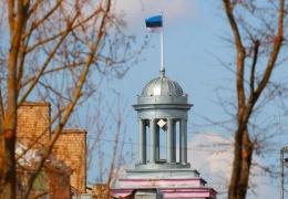 Нарвская мэрия планирует поднять зарплаты во всех муниципальных учреждениях на 20%