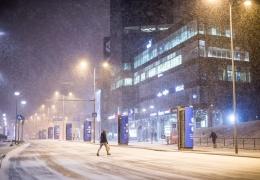 Синоптики предупреждают о сильном снегопаде в первый день зимы