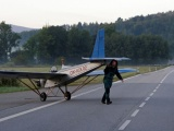 Чех сделал своими руками самолет и летает на нем на работу
