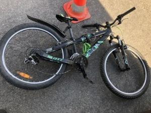В Нарве 46-летний велосипедист пострадал от удара автомобильной дверью