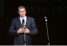 Председатель Нарвского горсобрания отвечает на вопросы нарвитян