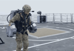 Британский флот «атаковали» при помощи реактивного ранца