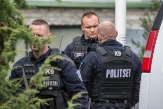 Спецназ задержал в центре Таллинна психически неуравновешенного мужчину: в ходе операции пострадал помощник полицейского