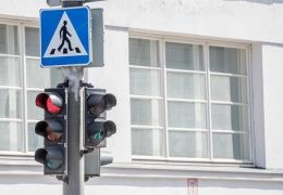 До 70% водителей Эстонии игнорируют запрещающий сигнал светофора