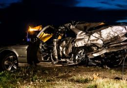 В дорожном происшествии погибли два и пострадали три человека