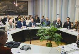 Руководителей Нарвы советских времен вновь хотят лишить городского пособия