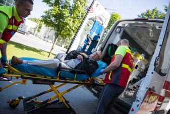 Эдгара Сависаара на скорой увезли из суда в больницу
