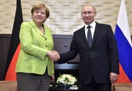 Путин и Меркель договорились попытаться вернуть российских наблюдателей в Донбасс