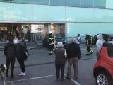 78-летний пенсионер на Mercedes залетел в ТЦ, перепутав педали