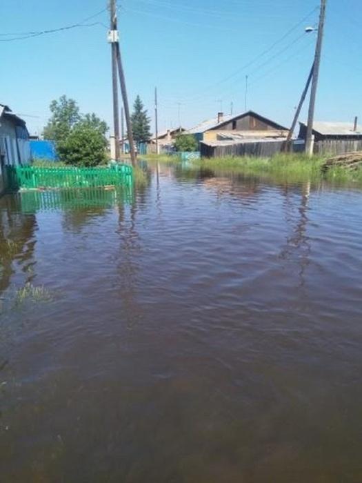 Снова наводнение: в городе Канск вода в реке поднялась до 439 см