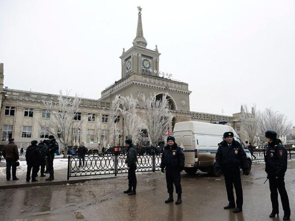 На вокзале Волгограда найдена голова смертницы. Мощность взрыва - минимум 10 кг тротила