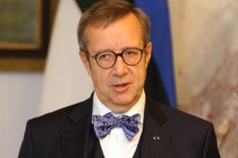 Президент Ильвес: уход из Эстонии крупных производителей - это суровая реальность
